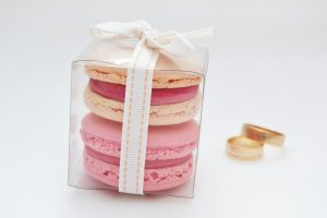 PARTY FAVOURS – 2 macarons in a small box