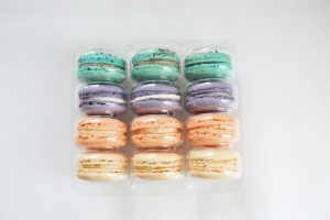 PARTY TRAY – 12 Macarons