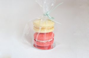 PARTY FAVOURS – 2 macarons in a small bag