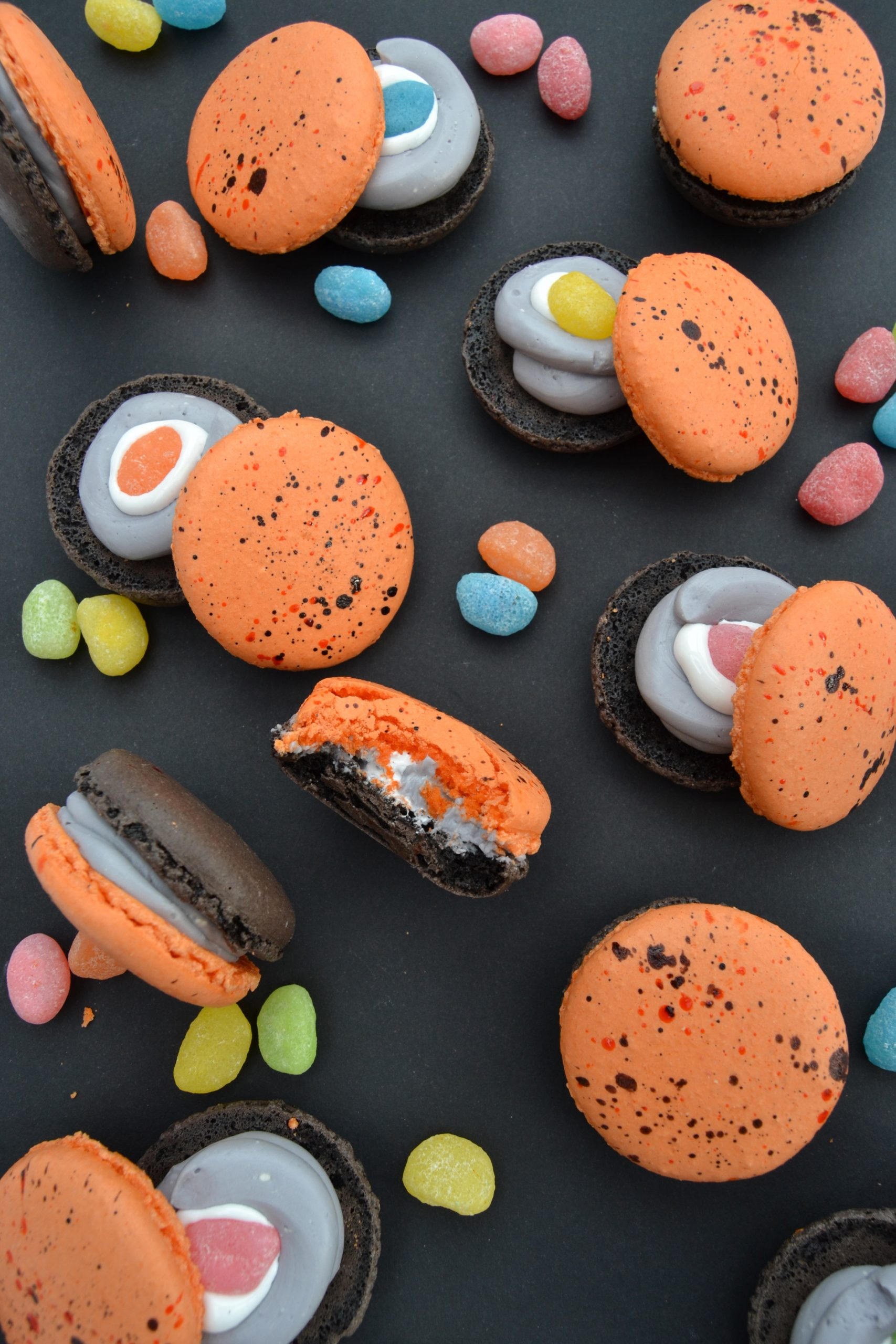 🕷 🎃 Trick or Treat Marshmallow Macarons 🕷🎃